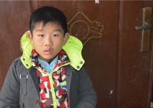 白血病男孩盼上学