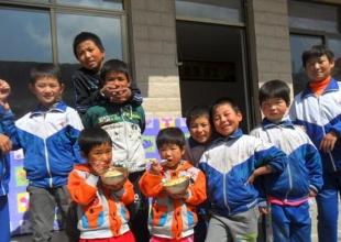 宁夏西吉县孤残儿童福利院的孩子 ...